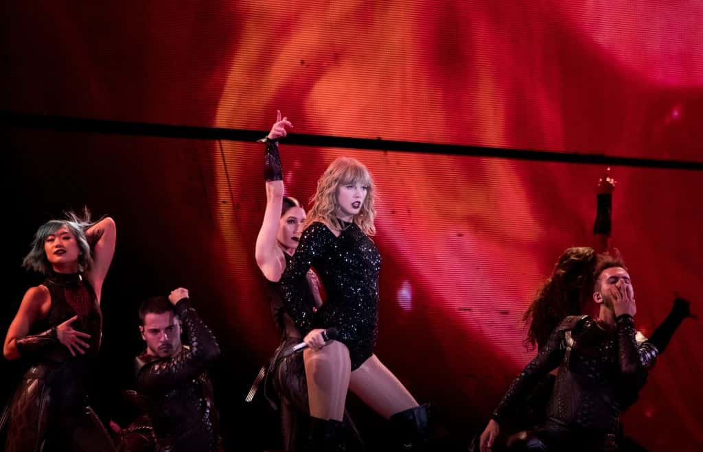 Taylor Swift Shows Off Her Reputation At Homecoming Show Shutter 16 Magazine
