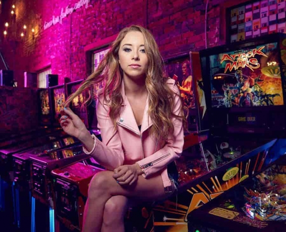 Introducing: Kalie Shorr