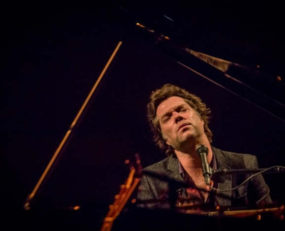 Giveaway: Rufus Wainwright To Bring Pop Classical To North America