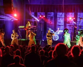 Here Come The Mummies – Survive flurries in Charlotte