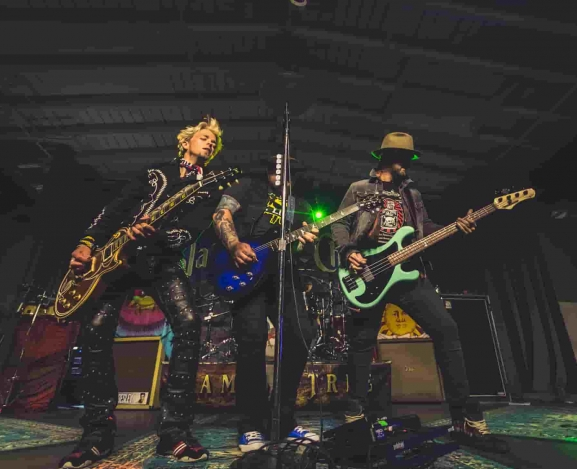 Black Stone Cherry's Family Tree tour rolls through their home state