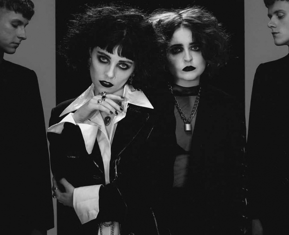 "Pale Waves reveal new single ""Kiss"""