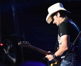 Brad Paisley Takes His Weekend Warrior's To Jones Beach