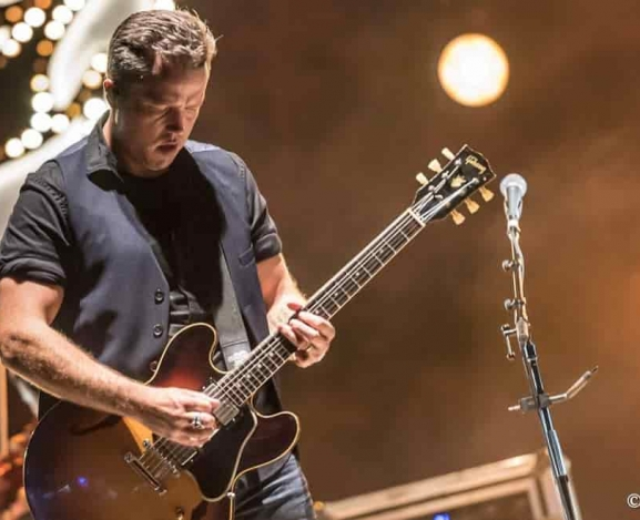 Jason Isbell and the 400 Unit brought healing tunes to the people of Texas