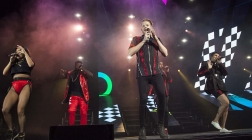 Pentatonix gives new energy to familiar songs in Charlotte, NC