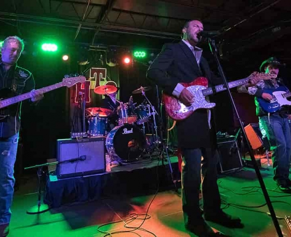 The Honky Tonk Outlaws Throw Down At The Underground