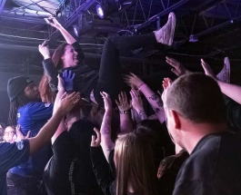 The Amity Affliction Rock A Sold Out Show At The Underground