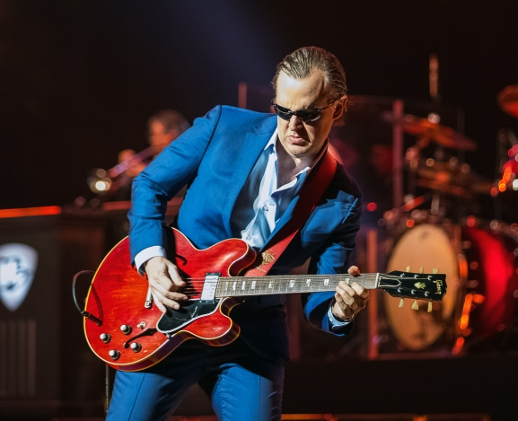 Legendary Guitarist Joe Bonamassa Brings The Blues To Charlotte's Belk Theater