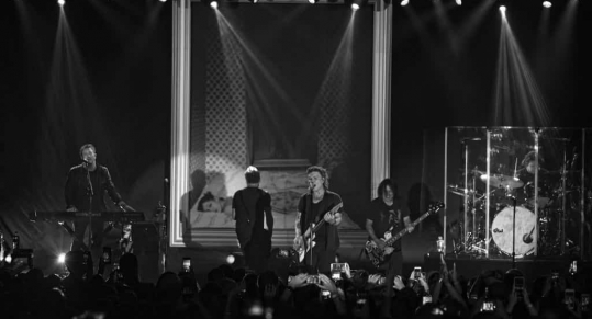 Live Review: The Goo Goo Dolls Celebrate the 20th Anniversary of Dizzy Up The Girl