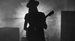 Preview: James Bay – Electric Light Tour