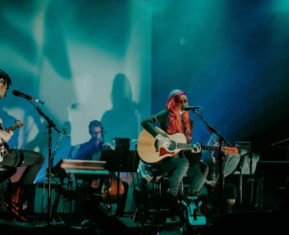 Lights Skin&Earth Acoustic Tour Hits NYC