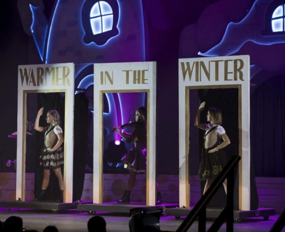 Lindsey Stirling brings Warmth In The Winter with latest tour