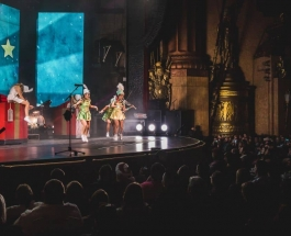 Lindsey Stirling's Wanderland Tour Brings The Holiday Spirit To The Big Apple