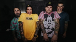 Pop-Punk Rockers New Found Glory Get Into The Halloween Spirit