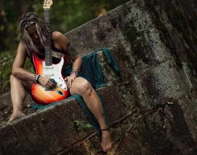 """VIDEO PREMIERE: Pam Taylor's version of Halloween with """"Witch's Ball"""""""