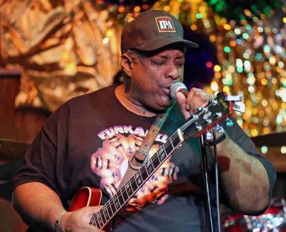 A Perfect Night for Chicago Blues: Rico McFarland at B.L.U.E.S.