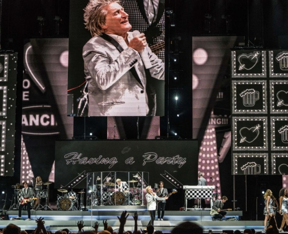 Saturday Night Party With Icon Rod Stewart In Charlotte