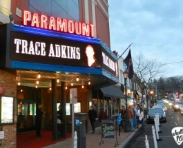 Trace Adkins Brings That Down Home Country Feeling To The Paramount